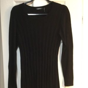 Daisy Fuentes black long sweater. GUC